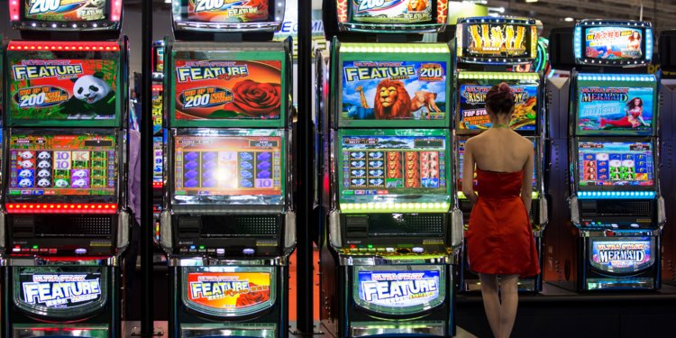 No Slot Gaming Machines Outside Casinos, Warns Polish Ministry Of Finance