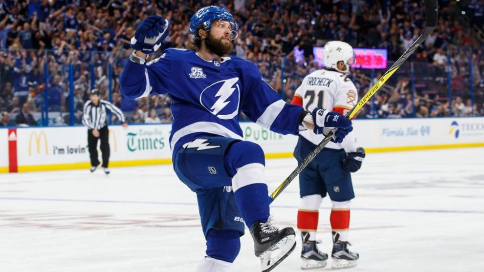 Lightning - The Hot Favorite To Be Lifting The Stanley Cup This Year