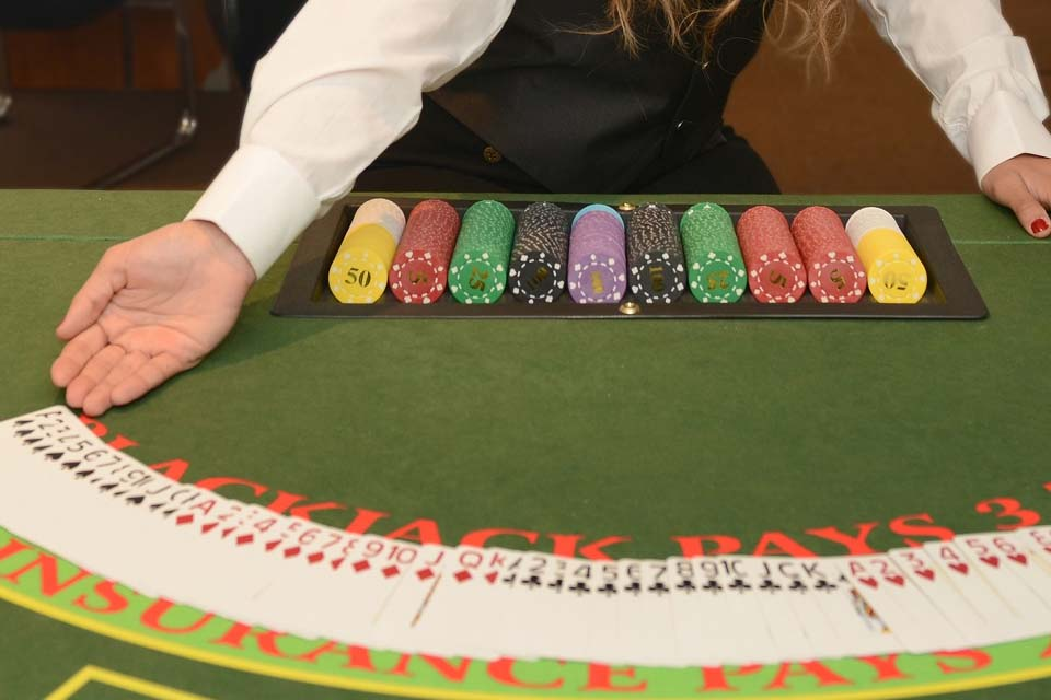 Japan Casino Schools Continue Training Croupiers Ahead Of Legalisation